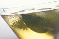 Celebrate St. Patrick Day with Great Cocktails and Beer: Pot of Gold Cocktail  #drink #alcohol