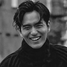 Korean Men, Korean Actors, Lee Jin Wook, 2015 Movies, Hyun Bin, Good Looking Men, Prince Charming, Dimples, No One Loves Me