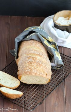 Rustic Italian Bread - This crusty Italian bread loaf makes the perfect addition to the dinner table. A great side for pasta, soup and Sunday dinner. Rustic Italian Bread, Rustic Bread, Artisan Bread Recipes, Yeast Bread Recipes, Braided Bread, Dinner Rolls Recipe, Greek Cooking, Savoury Dishes, Bread Baking