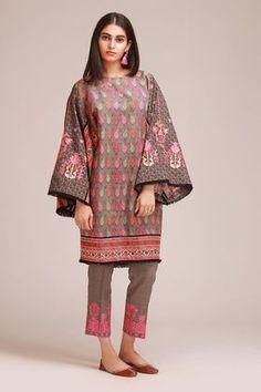 Khaadi Grey Winter Collection 2018 Whatsapp: 00923452355358 Website: www. Beautiful Pakistani Dresses, Pakistani Dresses Casual, Pakistani Dress Design, Pakistani Fashion Party Wear, Indian Fashion Dresses, Indian Designer Outfits, Indian Outfits, Fancy Dress Design, Stylish Dress Designs