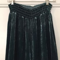 ANTHROPOLOGIE Zoey Velvet Pants Gorgeous teal velvet cropped full pants from Zoey for Anthropologie. Super soft and silky. Elastic waist. Size medium. Anthropologie Pants