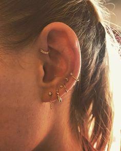 77 Ear piercing ideas for Women. Cute and Beautiful Ear piercing Ideas. Helix Piercings, Cool Ear Piercings, Forward Helix Piercing, Double Piercing, Piercing Tattoo, Unique Piercings, Peircings, Forward Helix Earrings, Girl Piercings
