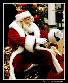 In the Christmas Mood by thetopcrusader.deviantart.com