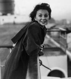 Jean Simmons // AKA Jean Merilyn Simmons Born: 31-Jan-1929 Birthplace: London, England Died: 22-Jan-2010 Location of death: Santa Monica, CA Cause of death: Cancer - Lung