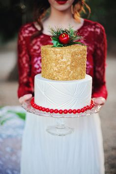 gold, red, and white wedding cake // photo by Arina B Photography // Ruffled Blog