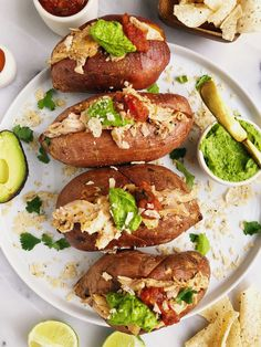 Buffalo Chicken Stuffed Sweet Potatoes for an easy paleo dish, using chicken from my favorite grass-fed and grass-finished meat company! Plus an epic deal to order from butcher box!