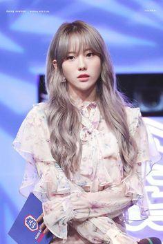 Yuehua Entertainment, Starship Entertainment, Wjsn Luda, Hair Reference, Cosmic Girls, Cute Korean, Korean Beauty, K Idols, Kpop Girls