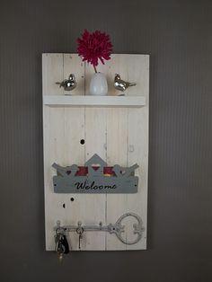 Charmant Garderobe/Schlüsselboard/Welcome Kleine Garderobe Oder Schlüsselboard. Ein  Einzelstück Für Deinen Eingangsbereich.