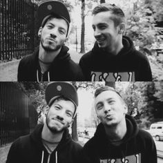 They switched poses << I think Tyler (being Tyler) just imitated Josh making it funny.