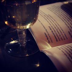 #tværkunstneriskprojekt#råhuset#2016#kunst#jazz#Chiron#rithva.dk#foto:Hanne Piasecki#jazz#JKA 5tet# Wounded Healer, Classical Music, Copenhagen, Mythology, Red Wine, Alcoholic Drinks, Romantic, Bottle, Glass