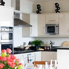 White compact kitchen | Kitchen | Decorating ideas