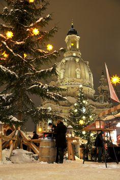 Merry Christmas my friends! Neumarkt, Dresden, Germany #mybrilliantstar #herrnhutstar #moravianstar #christmas #decoration