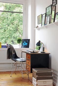 Me encanta el escritorio. Con ese aire retro.  Adventurous Design Quest: Heavenly dream by Alvhem