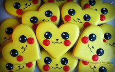Pikachu Pokemon Valentine's Day heart decorated cookies / iced biscuits / galletas decoradas by Sugar Cravings Heart Cookies, Cute Cookies, Cupcake Cookies, Sugar Cookies, Sweet Cookies, Pokemon Torte, Pokemon Birthday, Pokemon Valentines, Valentine Cookies
