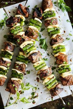 17 Killer Kebab Recipes for the Summer These sugar grilled beef and asparagus kebabs are extra delicious with sweet and salty steak bites and fresh spring asparagus.Get the recipe here! Beef Recipes, Cooking Recipes, Healthy Recipes, Kabob Recipes, Barbecue Recipes, Spring Grilling Recipes, Healthy Asparagus Recipes, Chicken Recipes, Lasagna Recipes