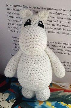 Crochet Animal Patterns, Stuffed Animal Patterns, Crochet Animals, Crochet Toys, Knit Crochet, Dinosaur Stuffed Animal, Dinosaur Origami, Bunny Origami, Baby Girl Bows