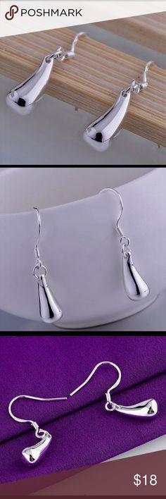 ♦️solid silver 925 tiny tear drop earrings Silver 925 earrings in satin shiny finish, drop style tear drop shape. Jewelry Earrings