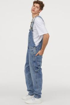 Bib overalls in soft washed denim with adjustable suspenders. Bib pocket side and back pockets and dropped gusset. Cotton content is partly recycled. Denim Overalls Outfit, Men's Dungarees, Bib Overalls, Vintage Outfits, Fashion Vintage, Cool Outfits For Men, Latest Fashion Clothes, Fashion Men, Latex Fashion