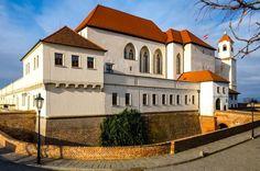 Kudy z nudy - Hrad a pevnost Špilberk v Brně Mansions, House Styles, Home Decor, Decoration Home, Manor Houses, Room Decor, Villas, Mansion, Home Interior Design