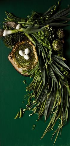 Green food still life photography styling Shaved Asparagus and Green Garlic Pastry Nest Food Styling, Food Photography Styling, Fruit And Veg, Fruits And Veggies, Col Kale, Wow Art, Greens Recipe, Free Tips, Still Life Photography