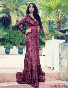 New caftan style Arab Fashion, Islamic Fashion, Dress Fashion, African Fashion, Oriental Dress, Oriental Fashion, Moroccan Caftan, Moroccan Style, Caftan Dress
