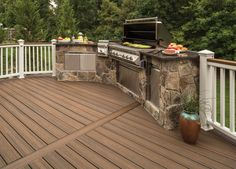 Trex Transcend - Grooved Edge Decking Board - US Made Trex Composite Decking, Laying Decking, Decking Material, New Deck, Back Deck, Spiced Rum, Deck Railings, Deck Plans, Building A Deck