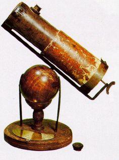 Hans lippershey creó el primer prototipo del telescopio en 1590