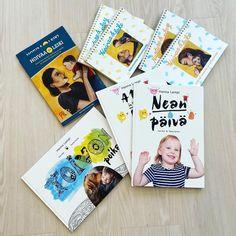 Uskomatonta, että alle kahdessa vuodessa on syntyneet kaikki nämä kirjat! Nean Päivästä kaikki alkoi 2018 ja viime vuonna tehtiinkin kirjoja urakalla @salosaara kanssa Hoivaa ja Leiki-menetelmän puitteissa! Toinen lastenkirjani Toivon Poikakin on jo käännetty englanniksi, mutta odottelen ainakin syksyyn sen julkaisua.  #kirjanjaruusunpäivä #terapialampi #hoivaajaleiki #nurtureandplay #neanpäivä #adayinthelifeofnea #toivonpoika Polaroid Film, Play, Cover, Books, Therapy, Libros, Book, Book Illustrations, Libri