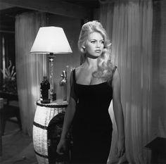 Musa do cinema: Brigite Bardot, tipo e mulher com curvas e com sensualidade enaltecida pelo que veste