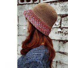 """""""창늘리기가 사라졌다""""...벙거지모자/여름밀짚모자/쉬운모자뜨기 : 네이버 블로그 Crochet Beanie Hat, Scarf Hat, Beanie Hats, Knitted Hats, Crochet Summer Hats, Crochet Girls, Scrap Yarn Crochet, Knit Crochet, Gamine Style"""