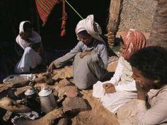 Cuisines du Désert : Mensaf Bédouin (Sinaï). Ce ragoût d'agneau est typique de la cuisine bédouine. On le trouve notamment dans le Sinaï, en Palestine et en Jordanie. On le prépare pour les grandes…