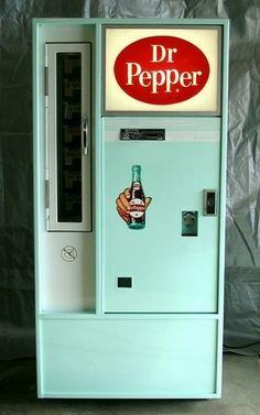 Vintage retro turquoise Dr Pepper machine