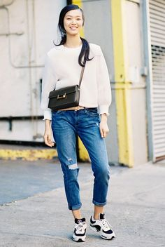 Pair a sweatshirt and boyfriend jeans with an easy bag and sneakers for running errands // #StreetStyle