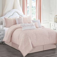 House of Hampton Reinvent your bedroom decor with this deluxe comforter set and Bring luxury into your bedroom. Luxury Comforter Sets, Grey Comforter Sets, Bedding Sets, Teen Bedding, Budget Bedroom, Bedroom Decor, Bedroom Ideas, Teen Girl Bedrooms, Girl Rooms