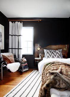 The hunted interior: live edge inspired headboard tutorial black wall decor, white rug, Modern Rustic Bedrooms, Rustic Master Bedroom, Modern Decor, Bedroom Black, White Bedrooms, Dark Cozy Bedroom, Trendy Bedroom, Rustic Modern, Masculine Master Bedroom