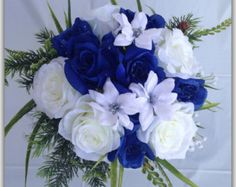 Royal blue and white bouquet roses blue von BloomsofGraceDesigns