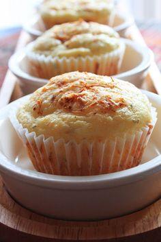 TeaRoom: Sajtkrémes muffin, belerejtett virslivel Quiche Muffins, Oreo, Food And Drink, Favorite Recipes, Snacks, Cookies, Chocolate, Dinner, Vegetables