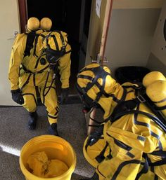 Hazmat Suit, The New Normal, Pvc Vinyl, Nice Asses, Historical Clothing, Storyboard, Cyberpunk, Kinky, Latex