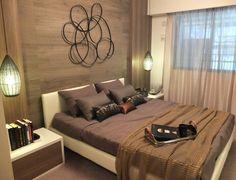 インテリアコーディネート ベッドルーム・寝室 ゆとりある寝室にはお気に入りの服やアクセサリー、カバンを収納できる大きなウォークインクローゼットを。