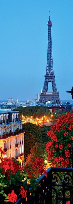 Eiffel Tower, Paris, France - This view would be so gorgeous from my own private balcony in a rented apartment.