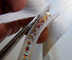DIY Zipper bracelet- cool idea~