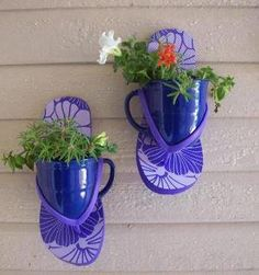 flip flops + mugs = really cool planters!