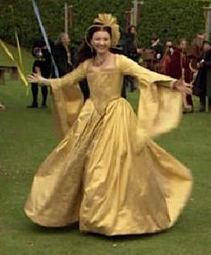 Anne dresses in yellow after Katherine's death and proclaims it's the beginning The Tudors season 2
