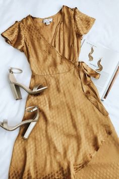 Feel like a Boho queen in the Band of Gypsies Quinn Golden Yellow High-Low Wrap Dress! Satiny embossed fabric shapes this short sleeve high-low wrap dress. Mode Chic, Mode Style, Style Me, Cute Dresses, Cute Outfits, Wrap Dresses, Dress Outfits, Wrap Dress Outfit, Dress Clothes