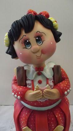 Pote Menina bolacha V  Pote de 2,0 L trabalhado em biscuit em forma de menina comendo bolacha.  Pote utilitário.  Veja mais modelos no mostruário.    POLÍTICAS DA LOJA:  ENCOMENDAS NACIONAIS:  Favor consultar mês disponível para agendamento.  O prazo de confecção é de 45 dias a partir do mês agen...