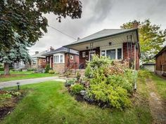 Basmnt 52 Delemere Avenue in Toronto: Rockcliffe-Smythe House (Bungalow) for lease (Toronto W03)  : MLS(r) # W3531776