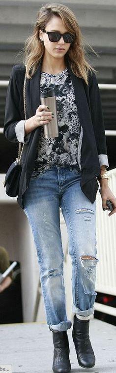 Jessica Alba black and white \\