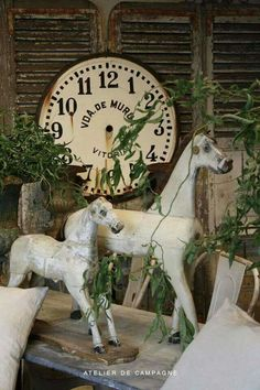 Christmas Whites and Greens - Wooden Horses - Atelier de Campagne Antique Rocking Horse, Vintage Horse, Rocking Horses, French Decor, French Country Decorating, Shabby Chic Porch, Wooden Horse, Carousel Horses, Antique Toys