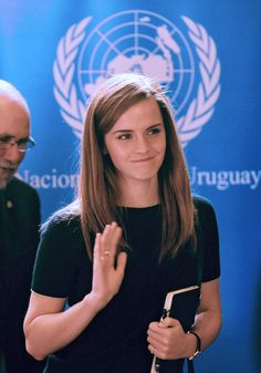 Now, here are some totally legit reasons why the United States of America should change its Constitution so that Emma Watson can run for president and become the first female leader of the United States: