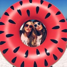 Ready for summer?? Los #poolfloat más los tienes en #yuhustore #elborn #barcelona ¿Con cúal te quedas? . . . #yuhugirlz #top #cute #crazy #fashion #girls #amazing #summer #style #fun #cool #girona #costabrava #platjadaro #watermelon #sandia #fruit #foodporn #instacool #instafashion #picoftheday